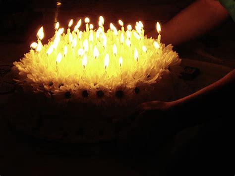 velas cumpleaos figuras para tartas troqueladoras tartas de chuches torta y velas como buen cumplea 241 os la torta est 225