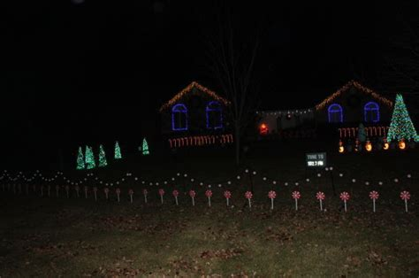 sawmill creek christmas lights bloomington names lights winners entertainment pantagraph