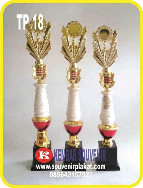 Piala Acrylic Jakarta distributor grosir piala murah di indonesia