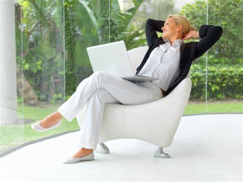 stare seduti stare seduti a lungo fa alla salute salute