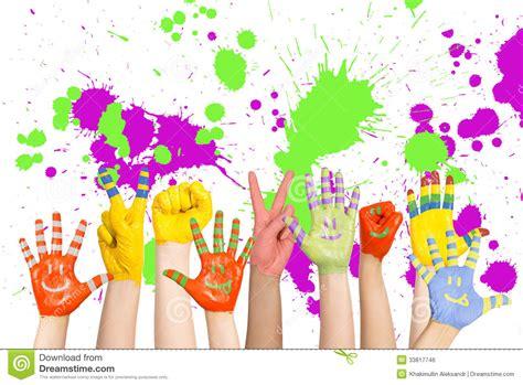 imagenes de uñas pintadas manos las manos de los ni 241 os pintados imagen de archivo libre de