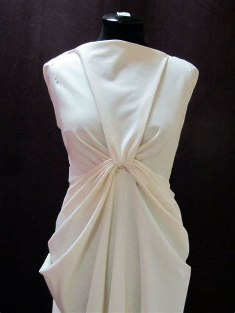 Draping Fabric On Dress Forms Draping On The Stand Draped Dress Design Moulage