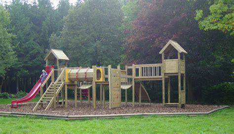 jeux de jardin en bois jeux de jardin bois m 233 tal balancoire enfant namur
