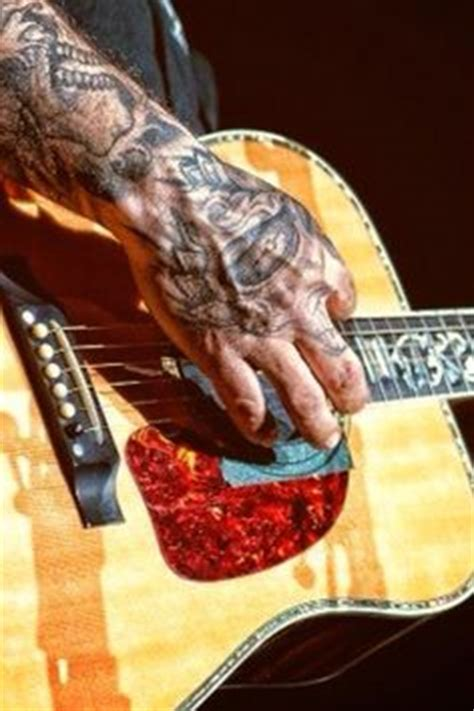 aaron lewis tattoos aaron lewis s of his daughters names done in an