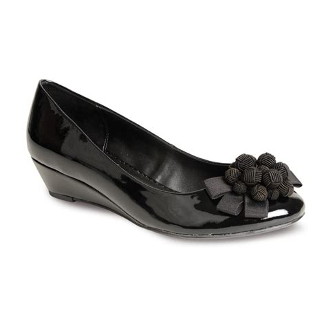 flv557 black patent wedge shoe