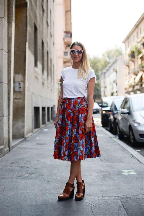summer work outfit idea  floral skirt  white  shirt