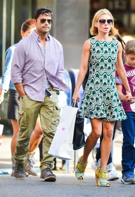 kelly ripa children 2014 kelly ripa family shopping and eating in new york