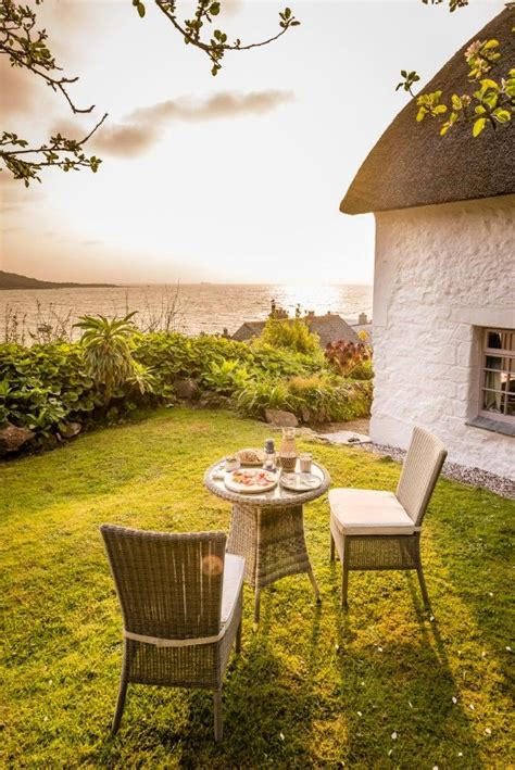 luxury cottage holidays best 25 luxury cottages cornwall ideas on