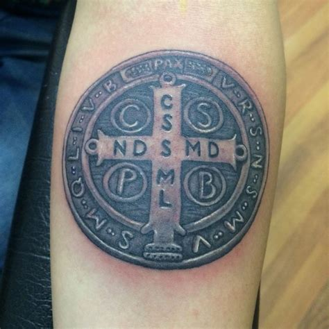 tattoo cross street ryde 1000 imagens sobre tatuagens medalha de s 227 o bento no