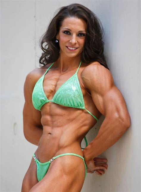 female bodybuilder  edinaus fitness babes muscular women fitness en bodybuilding