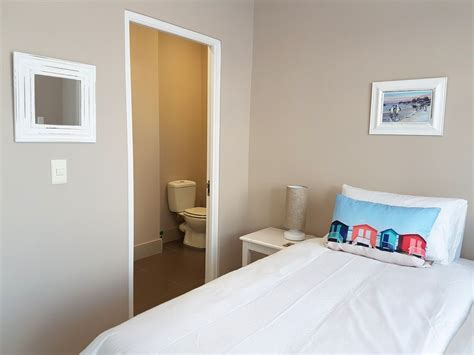 two bedroom apartment luxury two bedroom apartment near boulders beach simonstown