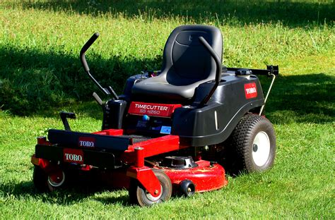 Lawn Mower mowers vs lawn tractors what s the difference