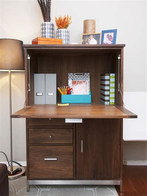 Desk That Looks Like A Cabinet by Stylish And Cool Desk Designs
