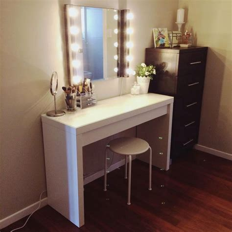Small Vanity Desk With Mirror by Small White Vanity Desk Lovely Small White Vanity Desk