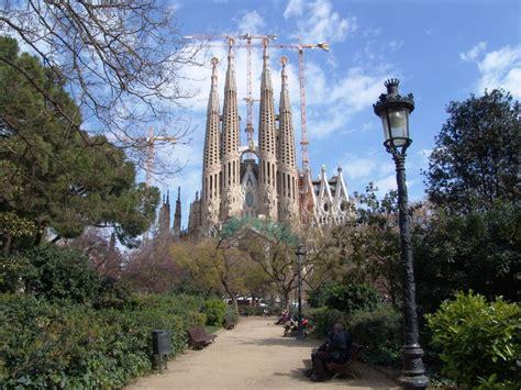 barcelona wallpaper gaudi barcelona sagrada familia 5 hd wallpaper landmarks