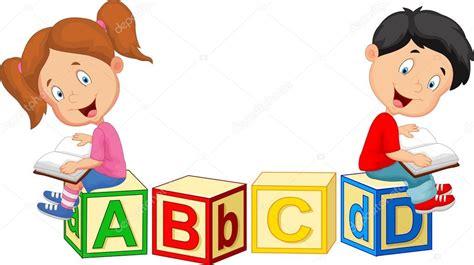 imagenes de niños leyendo y escribiendo dibujos animados de ni 241 os leyendo el libro y sentado en