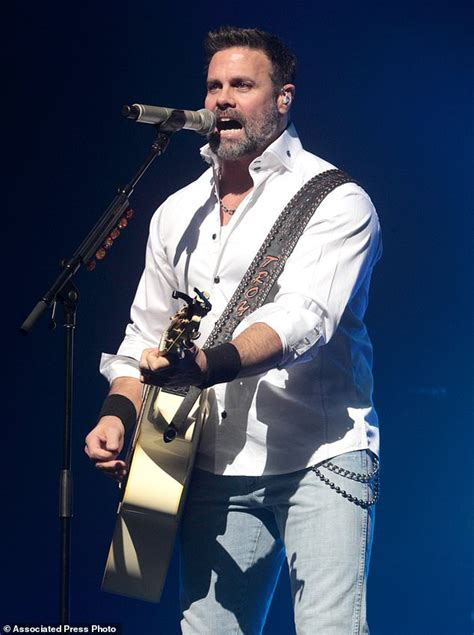 2016 death country singers helicopter crash kills country singer troy gentry and