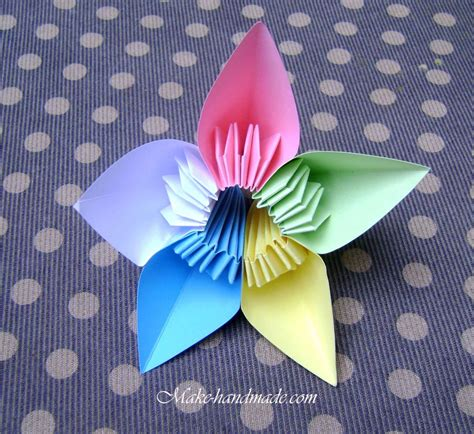 Revealed Flower Origami - kasudama flowers origami tutorial i these but need