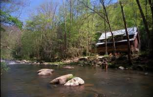 a free daily visitor guide for the carolina