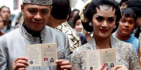 foto ciuman  pernikahan krisdayanti galeri foto artis