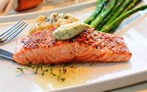 Fresh Trouth Salmon Fillet 400gr salmon fillet saute with fresh herbs a la florentine μαθήματα μαγειρικής