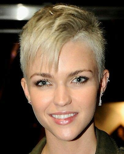 short coiffed hairstyles female executive 25 best ideas about punk pixie haircut on pinterest