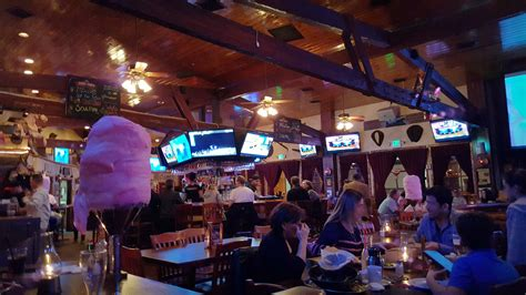 saddle ranch chop house stiletto city country western style at the saddle ranch chop house