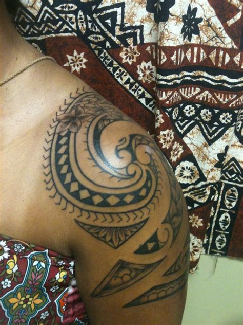 hawaiian tribal tattoos female hawaiian shoulder tattooby dave rodriguez
