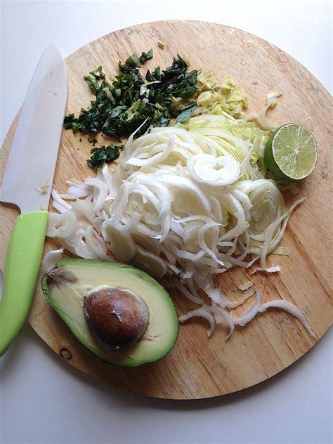 cucinare l indivia belga insalata di indivia e pomodori secchi cucina facile con
