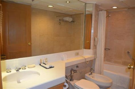 hotel with bathtub in manila photo1 jpg picture of the heritage hotel manila pasay