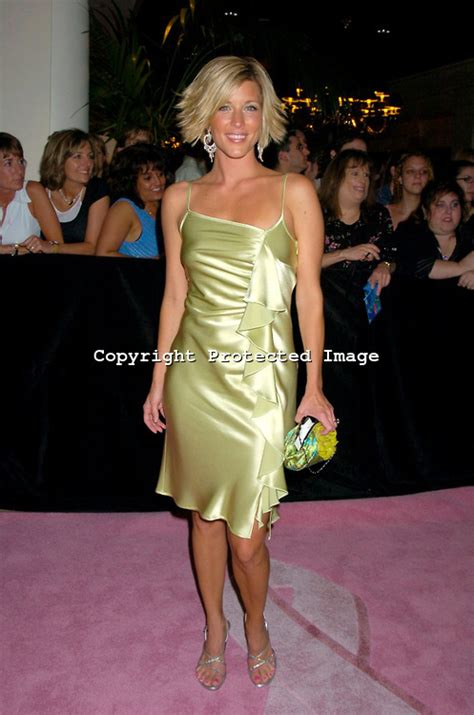laura wright size laura wright s feet