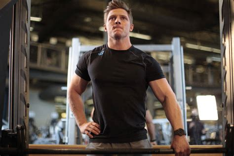 creatine 5 alpha reductase crossed arms pose smith machine upright row one arm