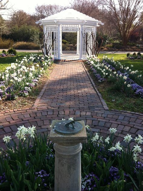 Garden Club Of Virginia by Garden Club Of Virginia Restores Grace Arents Garden