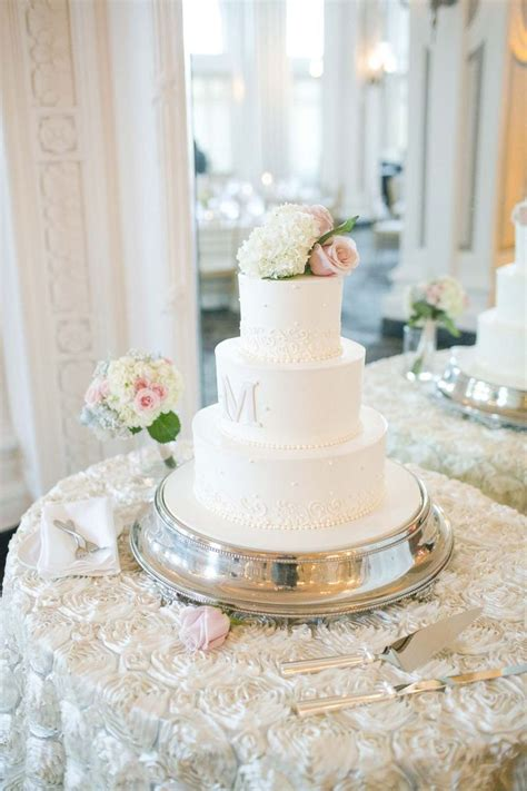 Cake Table Ideas by Joyce Wedding Service 187 Stylish Wedding Cake Table Decorations