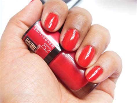 maybelline color show big apple reds nail paint paint the town r1 notd indian