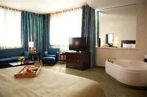 hotels in lafayette la with tub in room seeking open room facing shower tub or new orleans forum tripadvisor