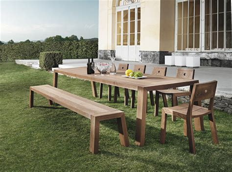Pedestal Tables And Chairs Outdoor Dining Table 02475 Modern Patio Other Metro