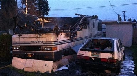 man found dead in morgan park house explosion died of man found dead after motorhome fire kval
