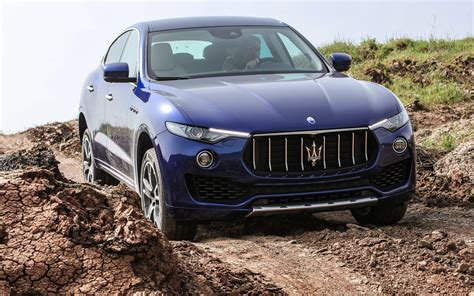 maserati road comparison maserati levante s 2017 vs audi q5