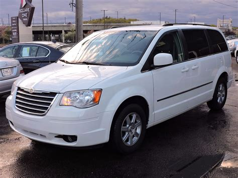 chrysler auto mall used 2010 chrysler town country touring at saugus auto mall