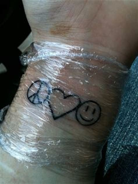 peace love and happiness tattoo designs 1000 images about ich on hakuna matata peace