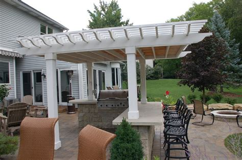 The Patio Bar Columbus Ohio by Patio With Covered Bar And Grill Traditional Patio