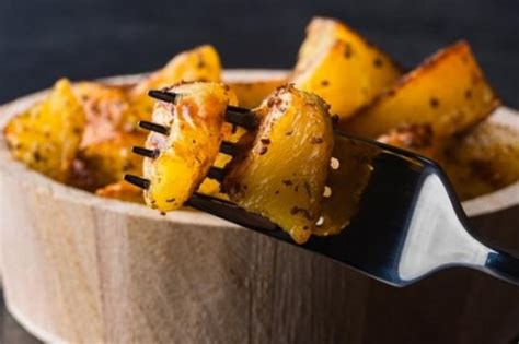 cucinare le patate al microonde patate al microonde fidelity cucina