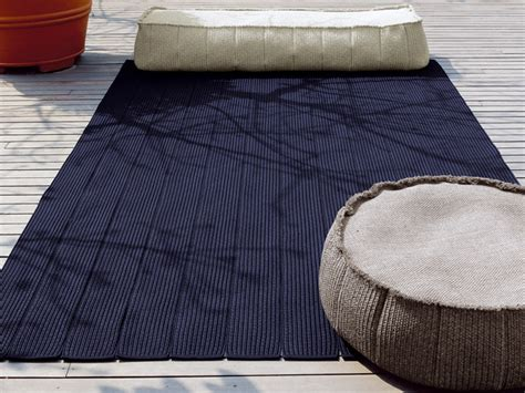 solid color outdoor rugs solid color rug by lenti