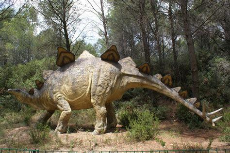 Visite Au Parc Des Dinosaures Le Clan Des Ours