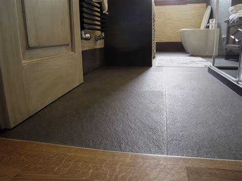ricoprire vasca da bagno pavimento e rivestimento in pietra bagno progetti di interni