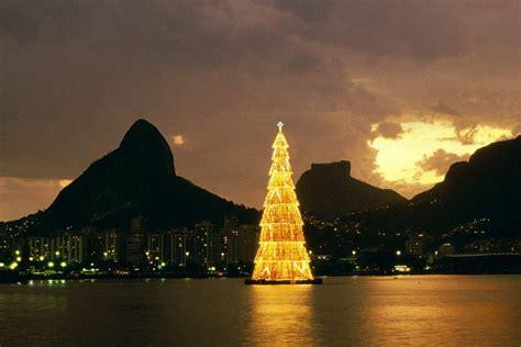 floating christmas tree in rio di janeiro abc news