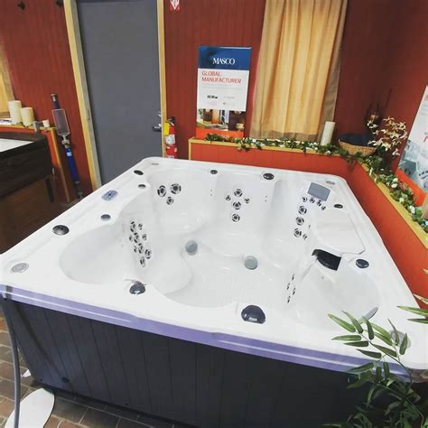 how much is a jacuzzi bathtub how much does a hot tub really cost