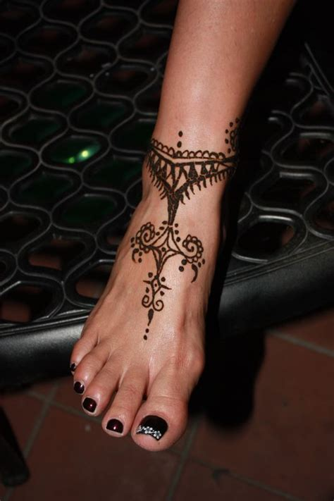 henna tattoo on foot 25 best ideas about henna foot on foot