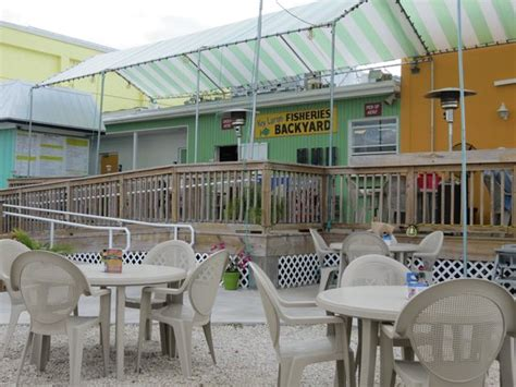 key largo fisheries backyard fried combo basket and conch soup picture of key largo